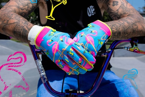 FIST LAZERED FLAMINGO GLOVE