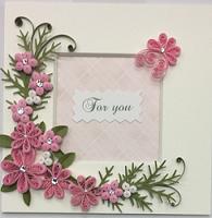 ピンクのお花の窓付きメッセージボード