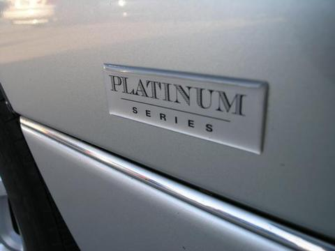PRATINUM SERIES バッジ 1枚