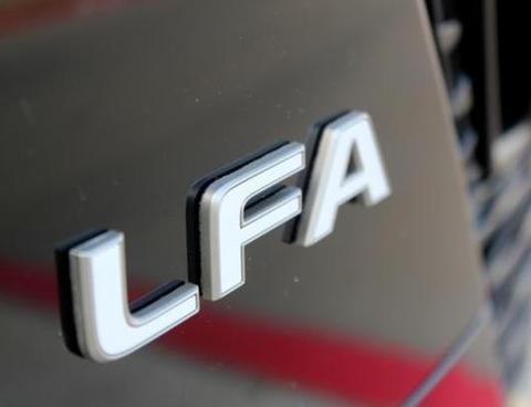 2012 LEXUS LFA エンブレム
