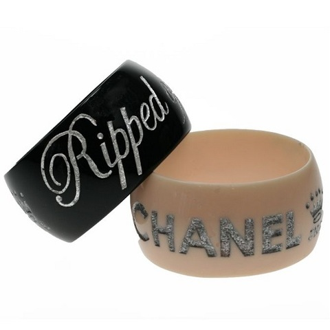 【80%OFF】【Jessica Kagan Cushman】メッセージワイドバングル Rippid off by Chanel ホワイト(US3061)