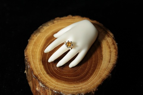 Milk Crown Ring