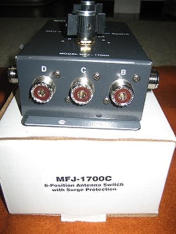 MFJ-1700C 6回路x2(最大)アンテナ切替器