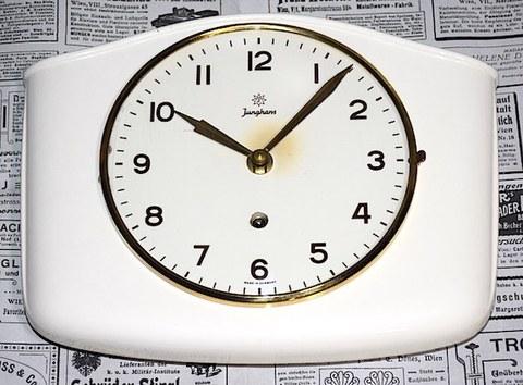 JUNGHANS(ドイツ) 陶器製掛時計 1940〜50年代【W215】