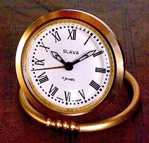 SLAVA(ソ連)小型目覚時計 1950〜60年代【040】
