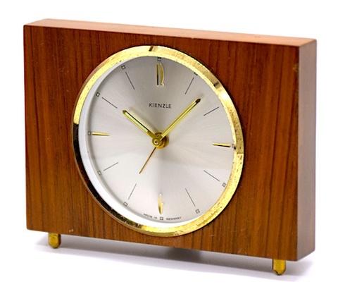 KIENZLE(ドイツ) 木枠小型目覚時計 1950年代頃【013】