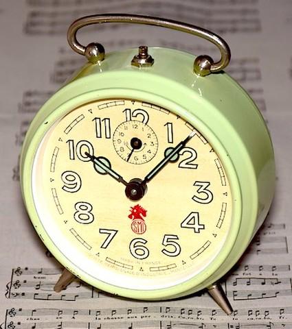 SMI(フランス) 丸型目覚時計(ミントグリーン) 1960年代【073】