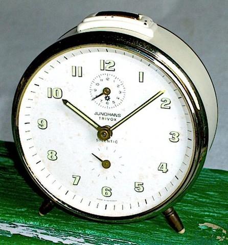 JUNGHANS(ドイツ)1950〜60年代 TRIVOX & SILENTIC(ホワイト)【089】