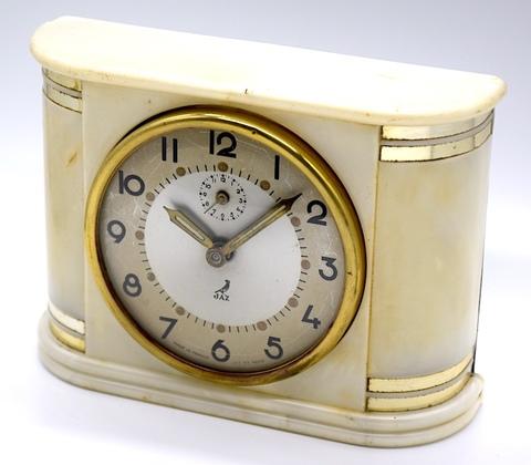 JAZ(フランス) 樹脂製目覚時計『BARIC』 1953〜55年【046】