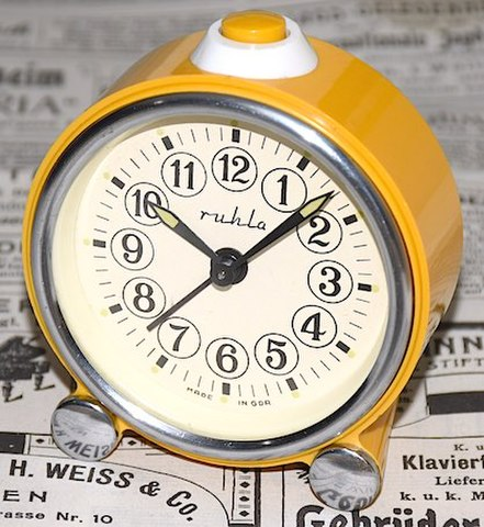 RUHLA(ドイツ) プラスチック枠目覚時計 1960年代【106】