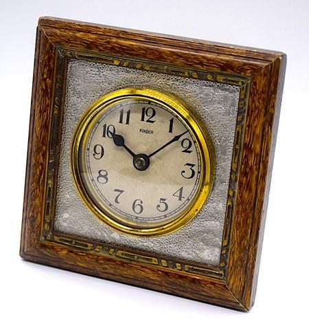 置/掛兼用型 木枠付小型時計『KINDER』 昭和初期頃【W280】