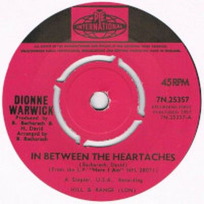 DIONNE WARWICK / IN BETWEEN THE HEARTACHES