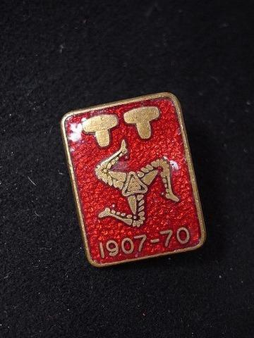 マン島 TT 1907-70年 記念バッジ