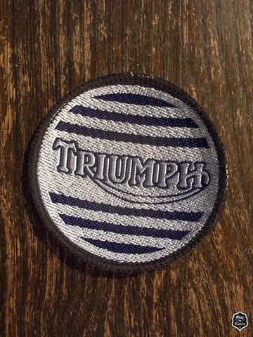 Triumph ヴィンテージ クロスバッジ
