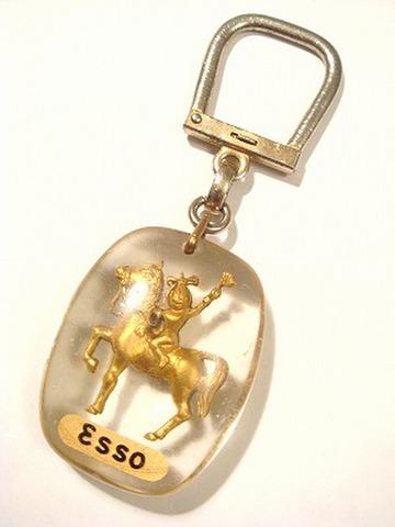 ESSO GIRL & HORSE フランス製 ヴィンテージキーフォブ