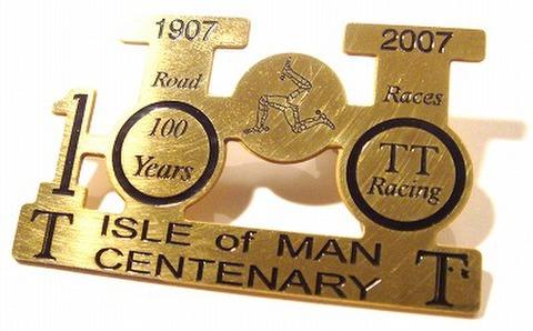 マン島 TT 真鍮プレート 100周年 記念バッジ