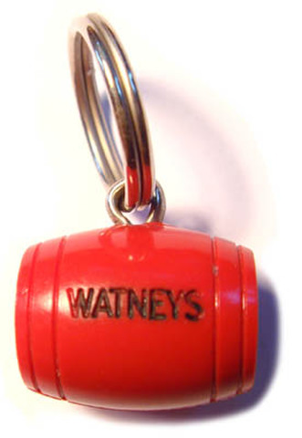 WATNEYS  RED BARREL ヴィンテージ キーフォブ sold