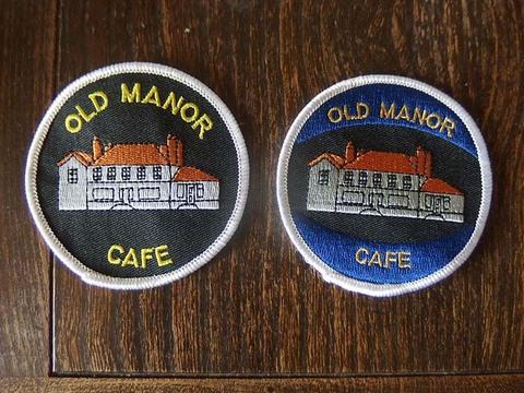 Old Monor Cafe クロスバッジ