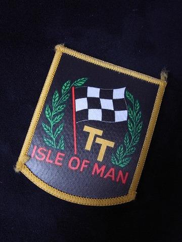 ISLE OF MAN TT ブラック フラッグ クロスバッジ