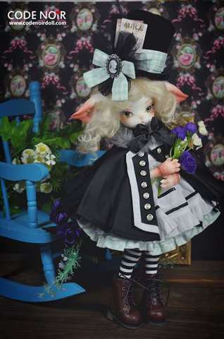 【SOLD OUT・展示】Code Noir x Dollzone Miss Kitty - Little Magician