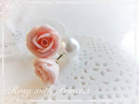 ピンクの薔薇のピアス