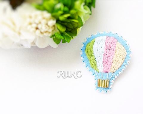 刺繍のブローチ*気球