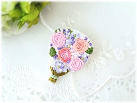 刺繍のブローチ*花束*ピンク&パープル系