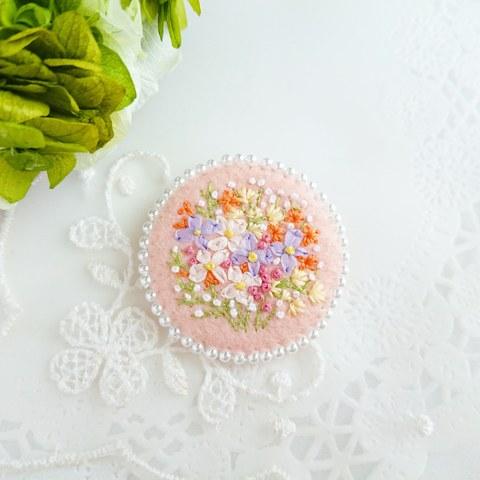 刺繍のブローチ*小花*ペールピンク