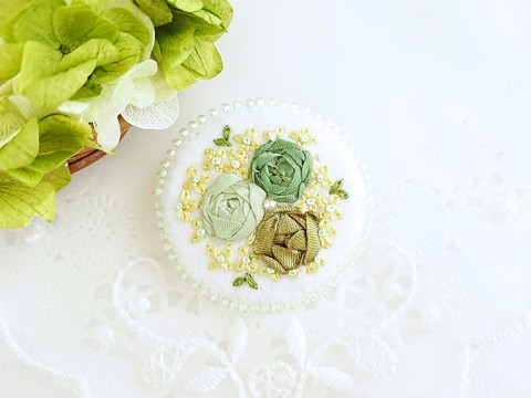 刺繍のブローチ*バラ*グリーン