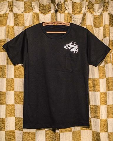 ラストレス 「スヌーク・デビル」ポケット付きTシャツ