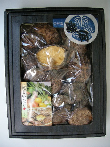 伊豆産香信椎茸 化粧箱入