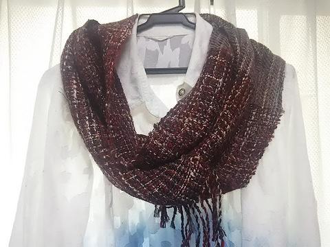 売り切れ・ウールの手織り・赤が可愛いスヌード