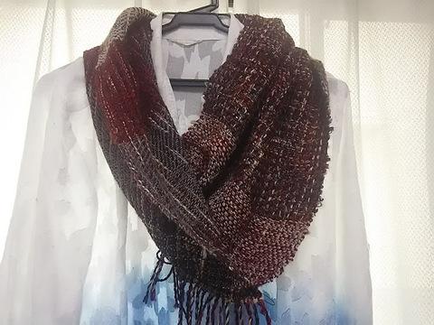 売り切れs-1ウールの手織り・暖かな赤いスヌード