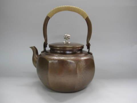銅製 八角湯沸かし(桐箱入)1.8L