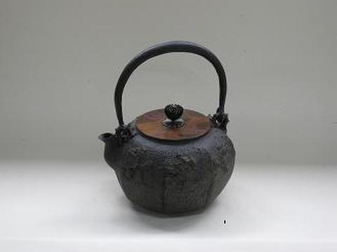 鉄瓶 八角山水(桐箱入)