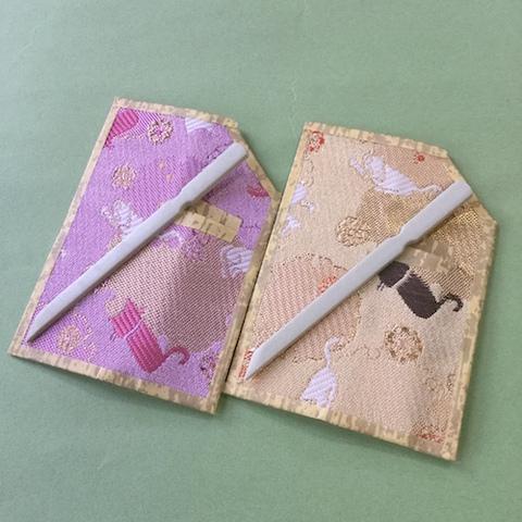 青峰堂オリジナル「猫の菓子切楊枝(台紙付き)」【猫柄織物シリーズ】