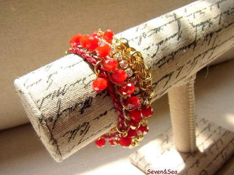 キラキラガラスの4連ブレスレット(深紅)
