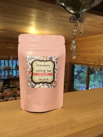 Strawberry oolong tea〜草苺烏龍茶