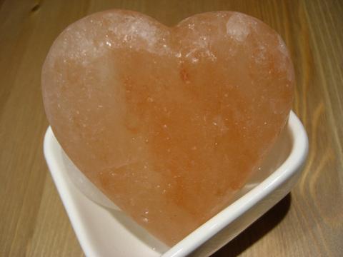 ももいろ岩塩