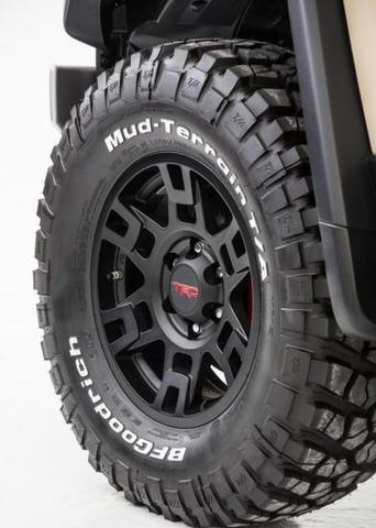 US TRD BLACK 17X7J +5 6H139.7