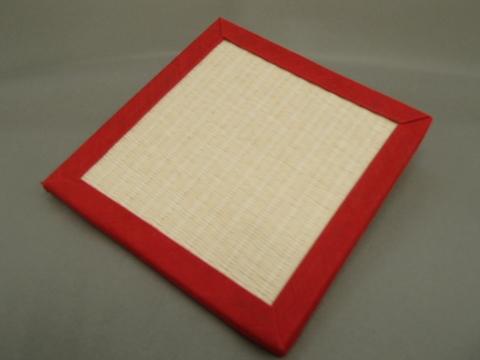 リバーシブル畳コースター  赤色へり・乳白色