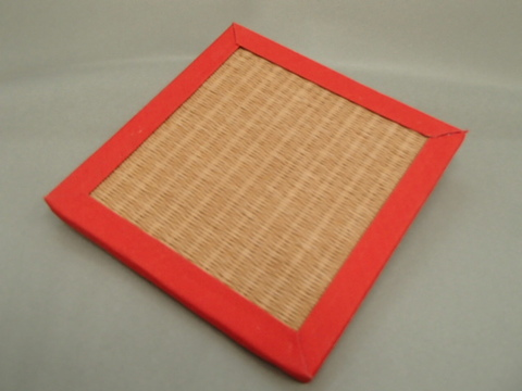 リバーシブル畳コースター  赤色へり・亜麻色
