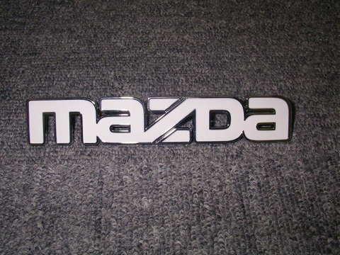 1986-93 MAZDA プロシード US純正グリルエンブレム(小) ホワイト