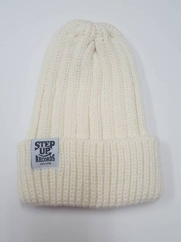 STEP UP タグ付ニット帽 ホワイト