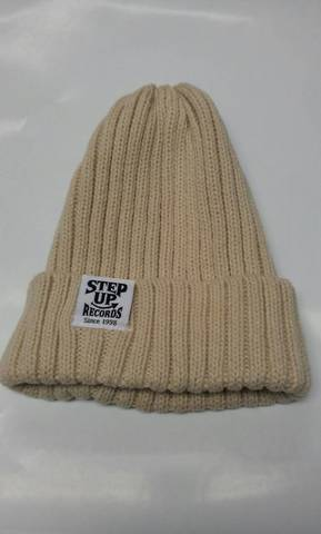STEP UP タグ付ニット帽 アイボリー