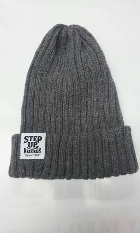 STEP UP タグ付ニット帽 グレー
