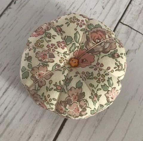お花ピンクッション フェリシテ1