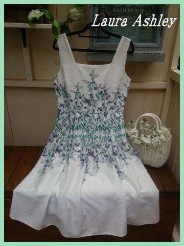 SOLD OUT【英国輸入】ローラアシュレイ・白地ブルー系花柄フレアーワンピUK12