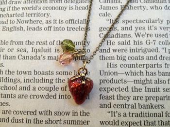 苺のネックレス