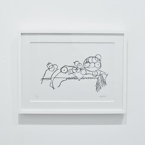 ベッドの上にいる人/ KOCKA